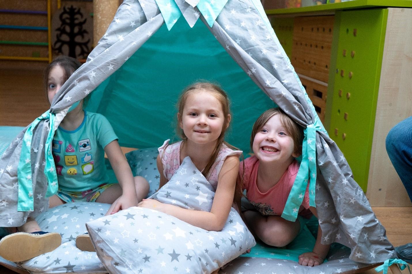 Уютные группы, удобные кроватки, современные игрушки